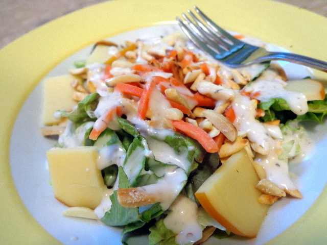 salad with smoked gouda