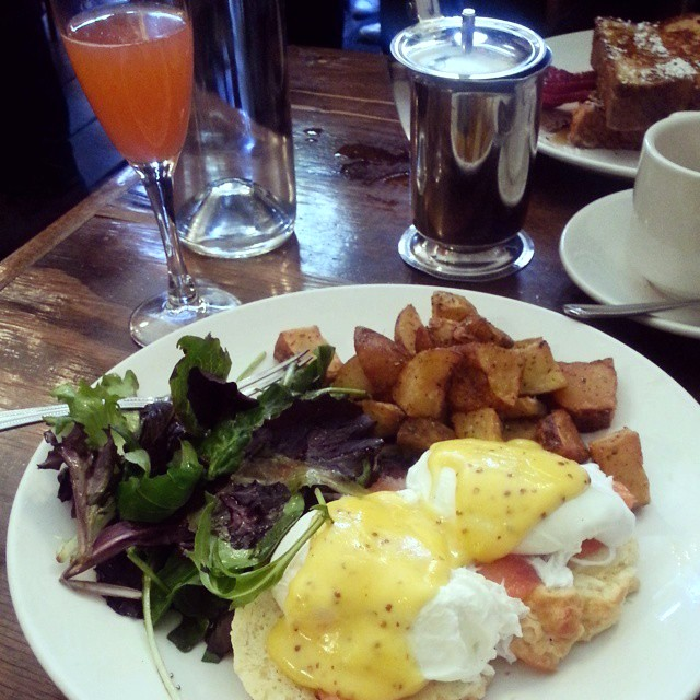 brunch at rabbit hole in williamsburg